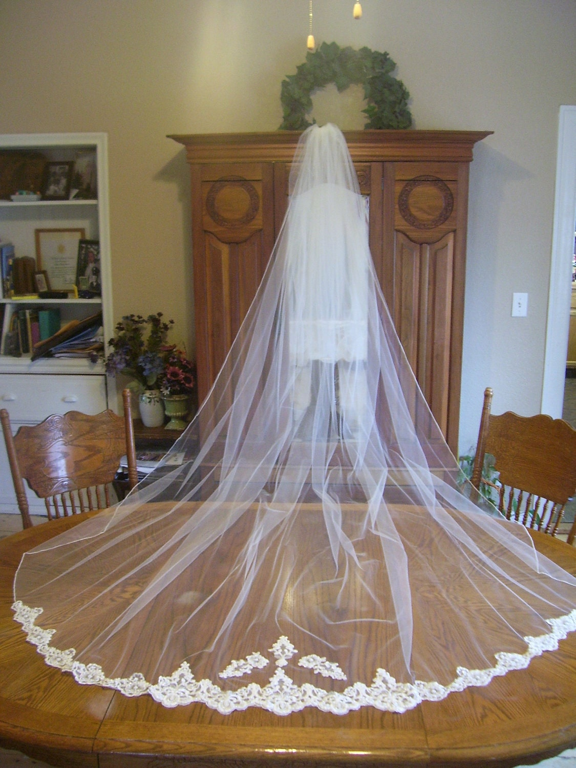 Ivory  1 Tier Cathedral Wedding bridal Veil beaded alencon lace bottom trim