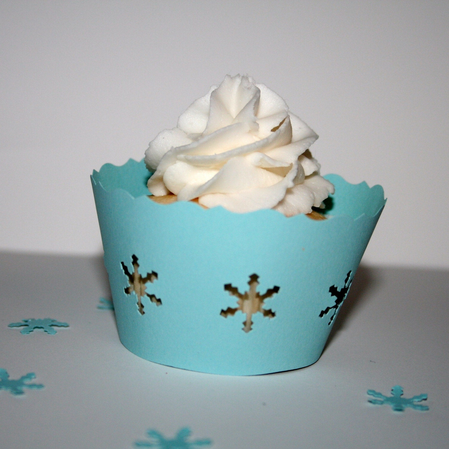 Blue Snowflake Cupcake Cuppy (set of 12)