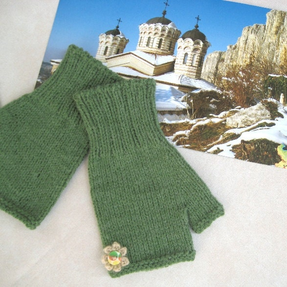 Knit Fingerless Gloves Mittens Arm Warmers Green Wool/ Acrylic Soft Warm Handmade by Dimana