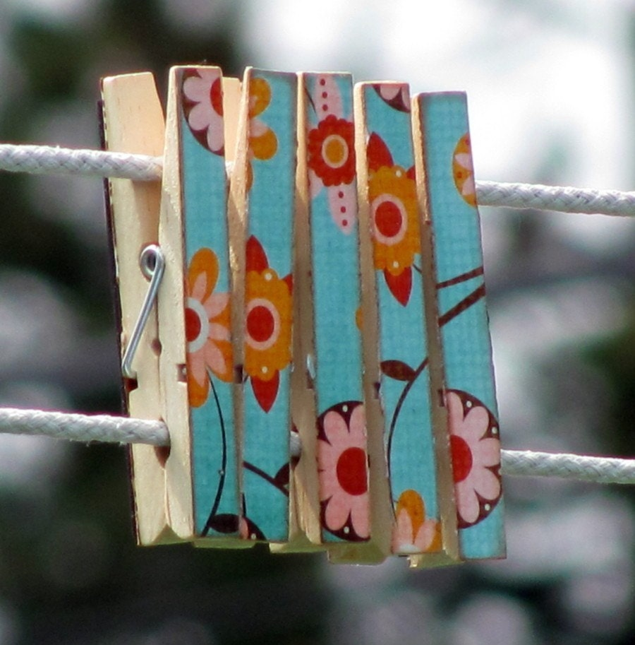 Clothespin Magnets Set of 5 Turquoise Orange Flowers