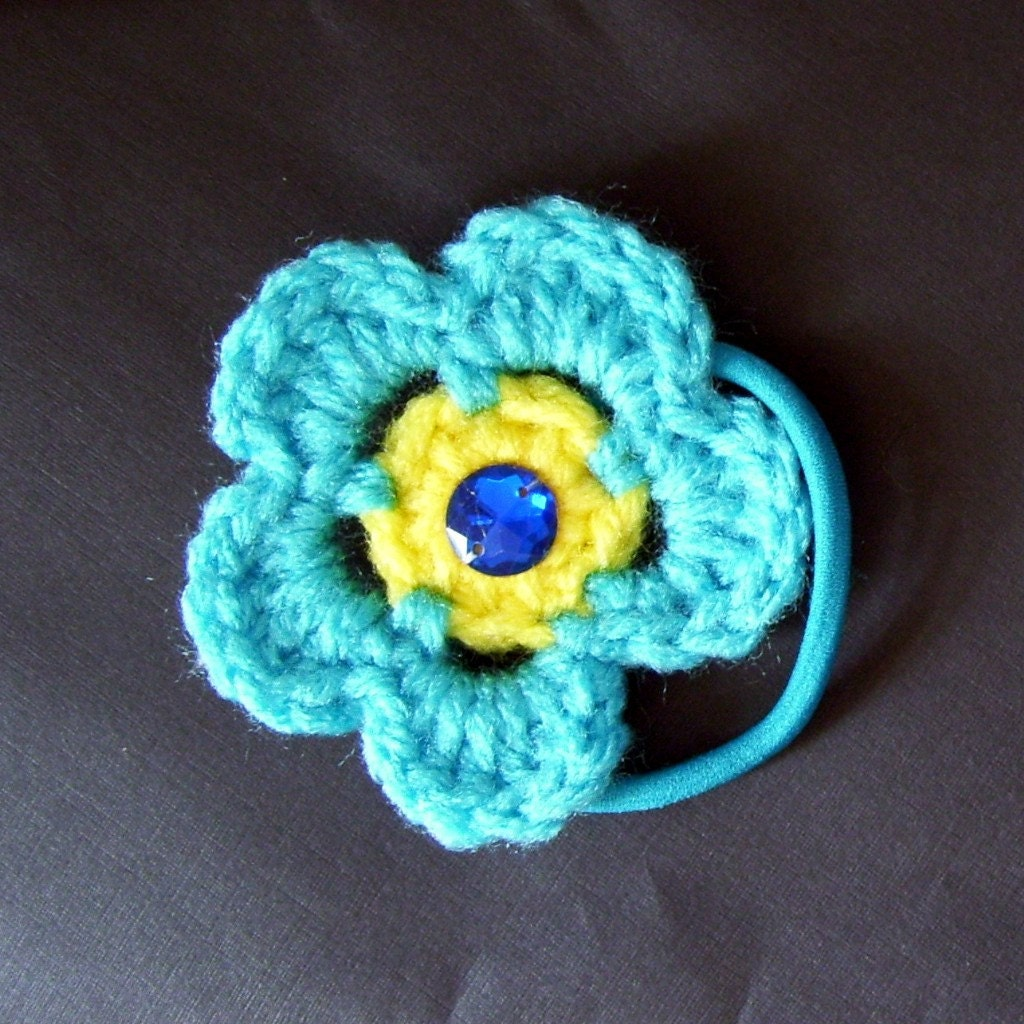 Turqua Daisy Ponytail Holder