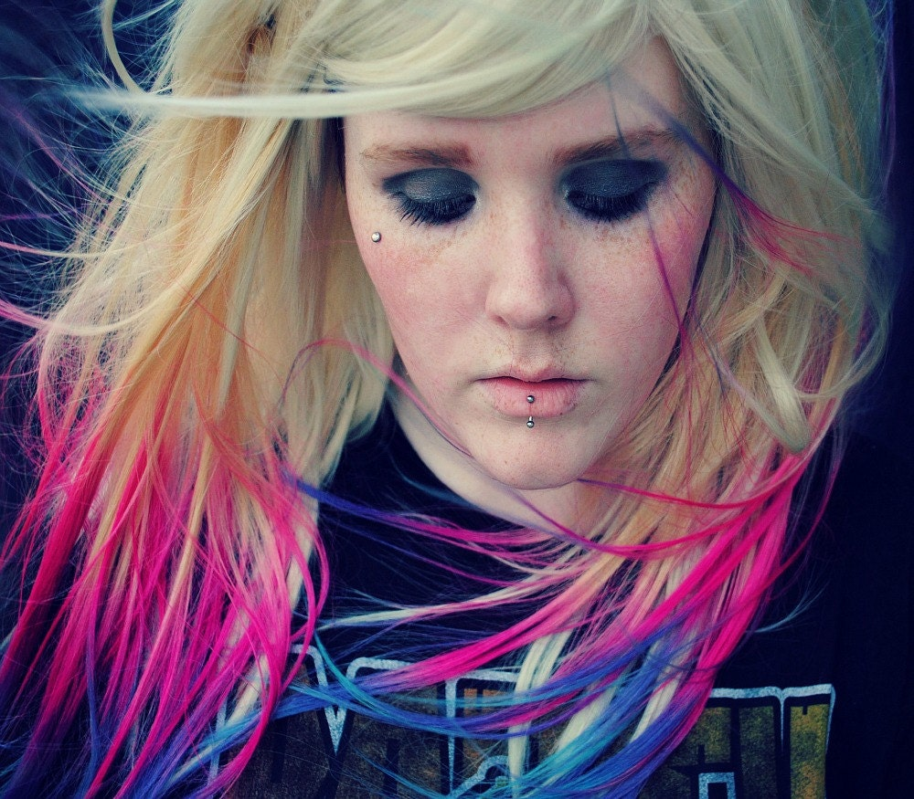 Blonde hair dye tips