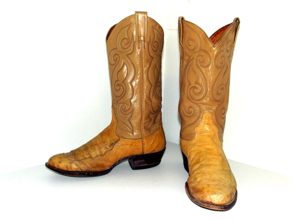 Light tan ostrich leather Tony Lama cowboy boots size 9 D or cowgirl size 10.5
