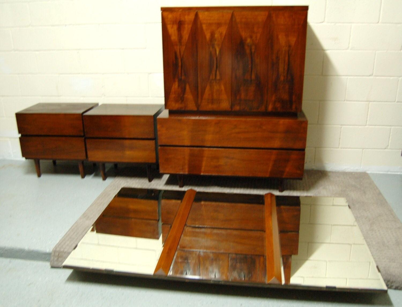 301 moved permanently for Vintage american martinsville bedroom furniture