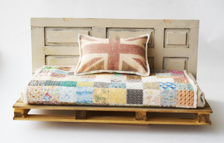 Pallet upcycled cama de día (12 a escala miniatura)
