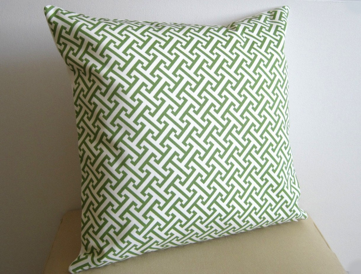 Greek Key Designer Pillow / Kelly Green / 12x18 inch / Zipper Enclosure