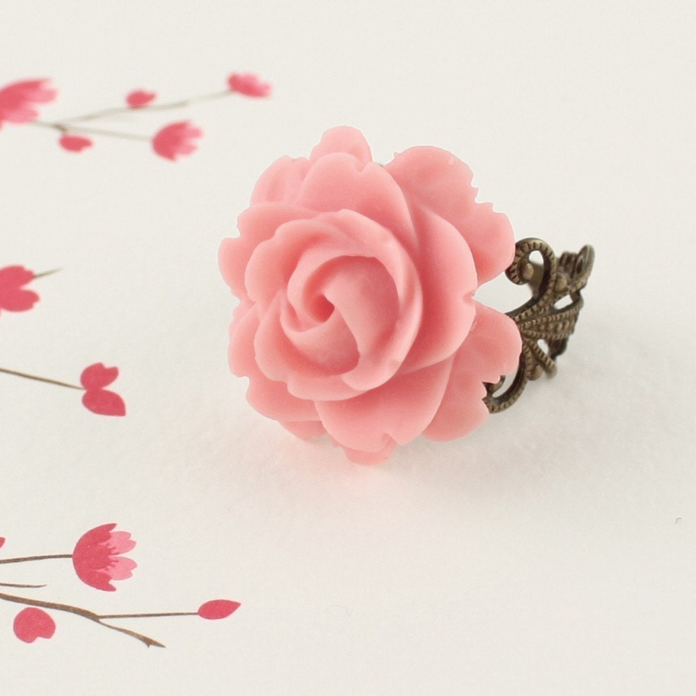 PARIS  IN THE SPRINGTIME  Vintage Rose Filigree Flower Ring