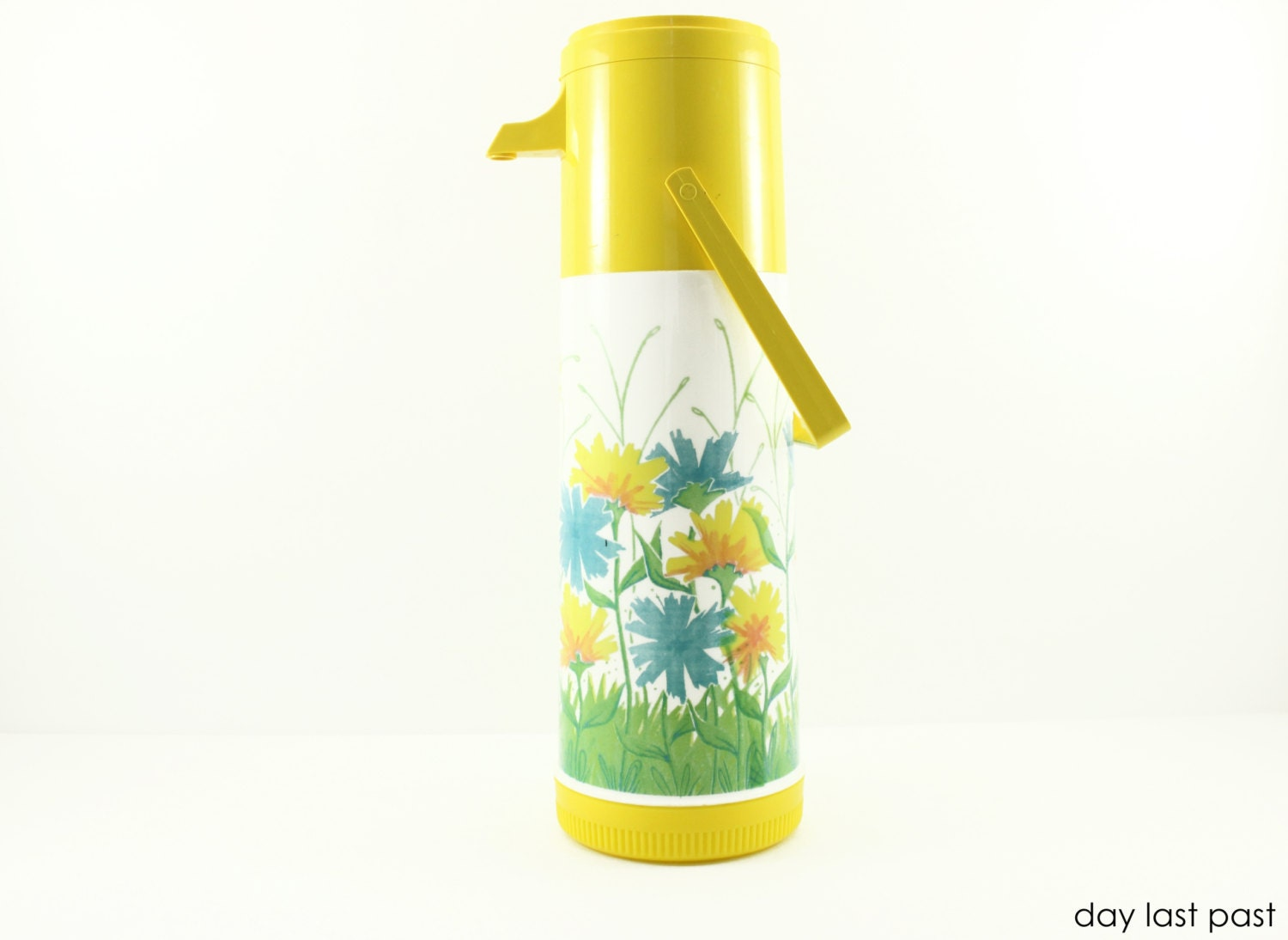 SALE Vintage Aladdin ' Pump A Drink ' Thermos -- Yellow Flower Beverage Dispenser -- Retro Picnic Thermos - DayLastPast
