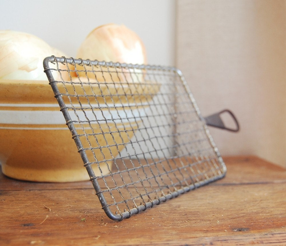 Vintage Crinkled Wire Kitchen Grater Tray By FrogGoesToMarket