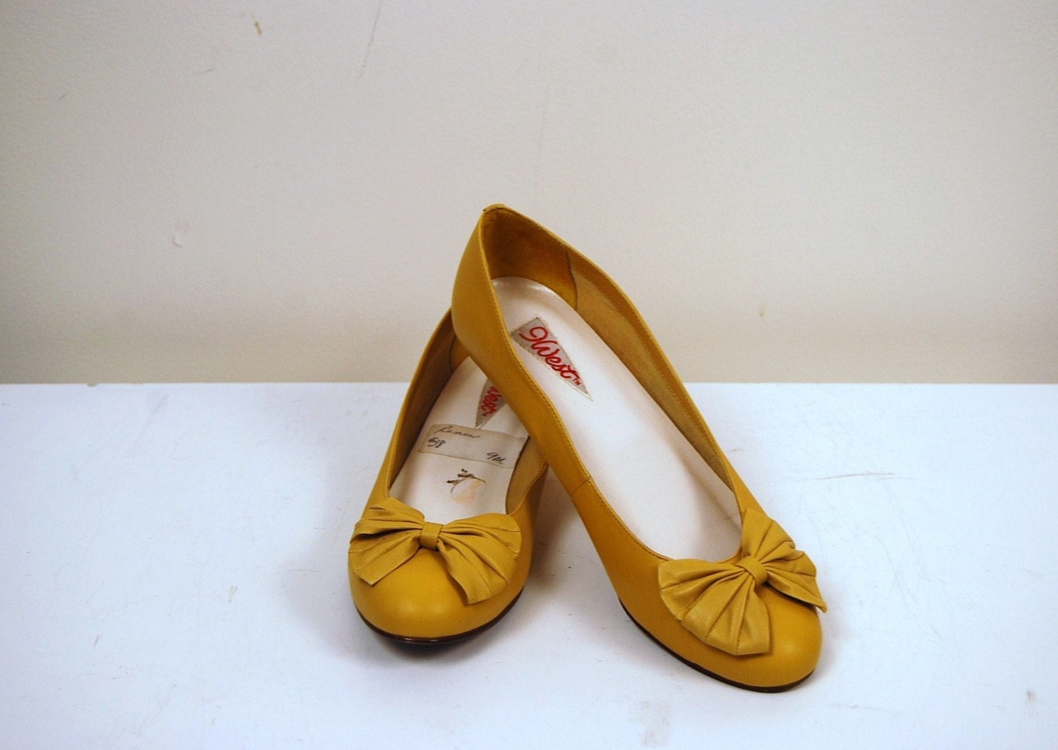 Vintage Yellow Bow Shoe