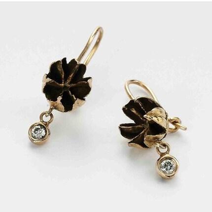 diamond seed flower earrings