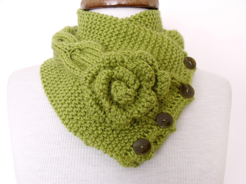 جدید Ligth سبز پیچک Neckwarmer با دکمه و گل آماده برای پاییز مد حمل و نقل - 2012 زمستان روند برای هدیه