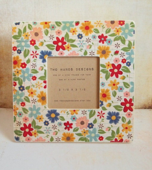 Country Garden Wood Picture Frame - TwoHandsDesigns