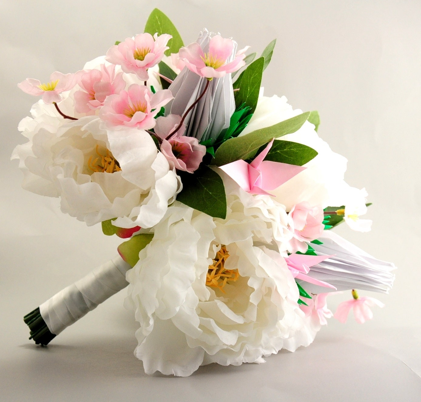 Peony cherry blossom and origami crane rose bridal by 3dcranes for Bouquet roses blanches