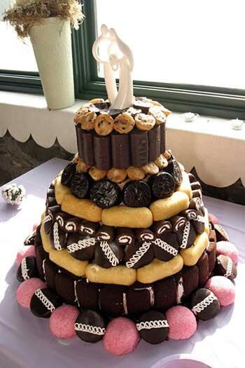 Adella Bellas 4ever Young Wedding Cake