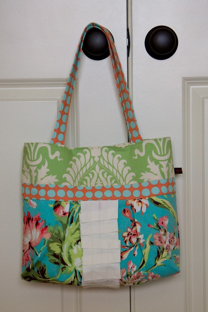 Everyday Hobo Tote - LOVE Floral (Ready to Ship)