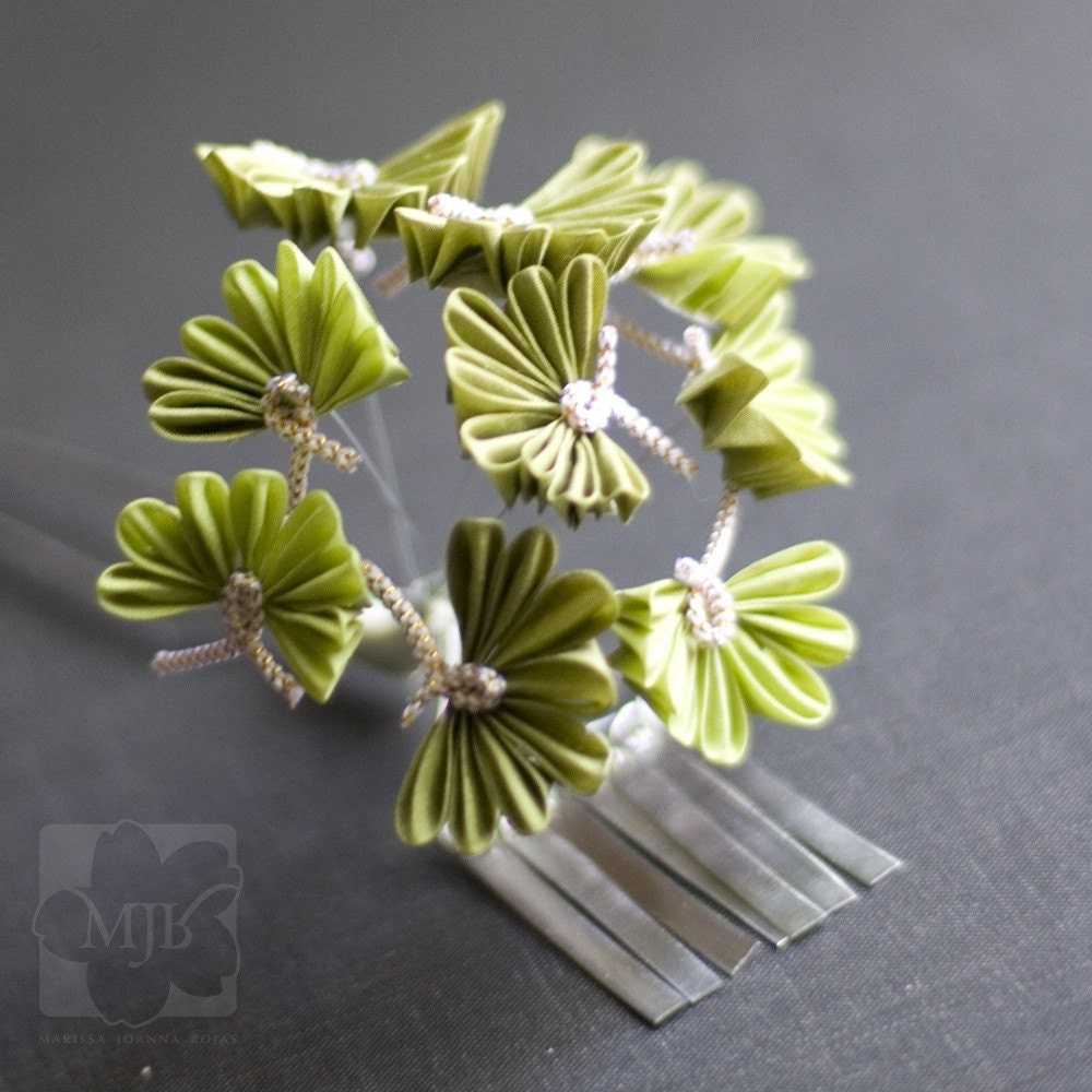 Необычные цветы Цумами Канзаши
