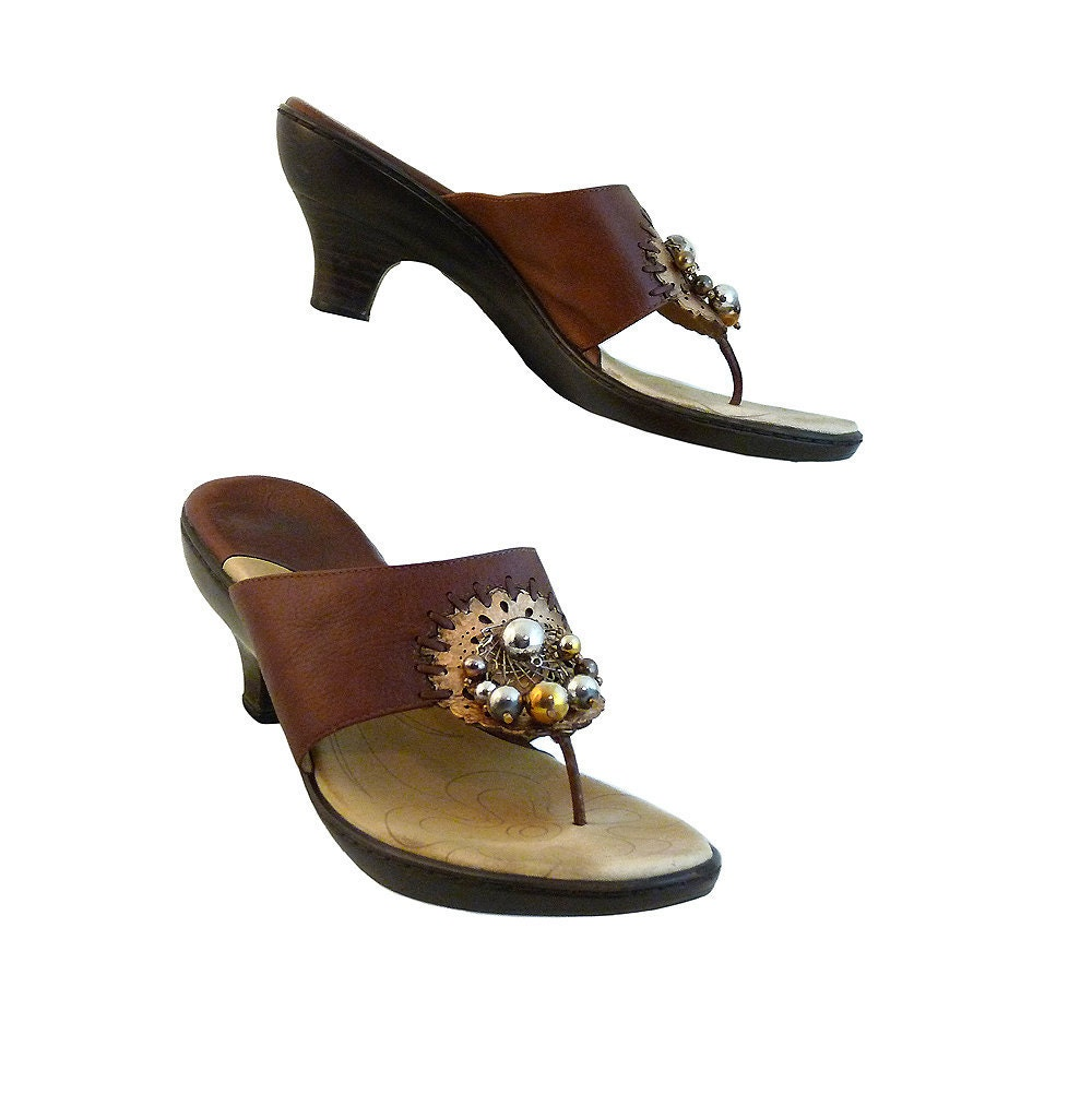Gypsy Wanderer Boho Platform Sandals with 2 1/2 Inch Heel // Brown and Gold w Fun, Metal Embellishments // Size 10 M // Style and Comfort - RetroVintage123