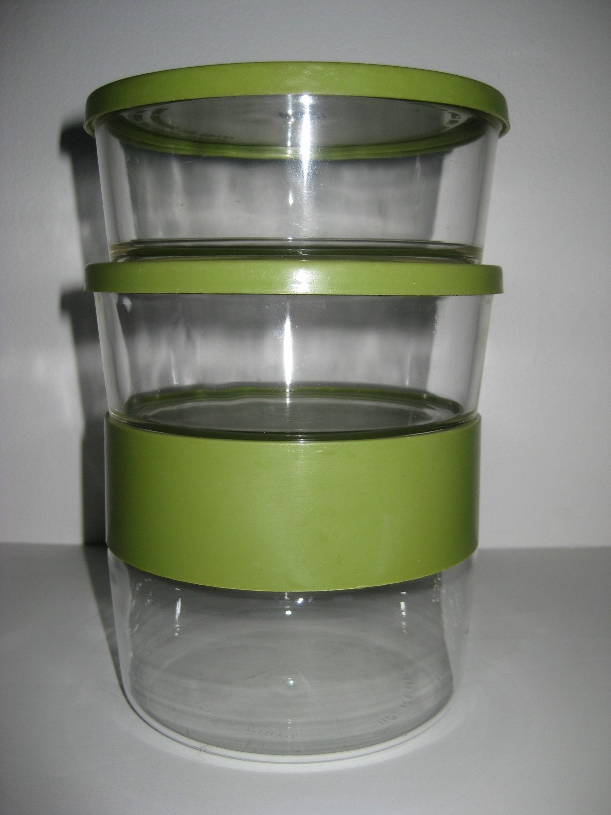 3 stacking avocado pyrex glass containers vintage by theretrolife. Black Bedroom Furniture Sets. Home Design Ideas