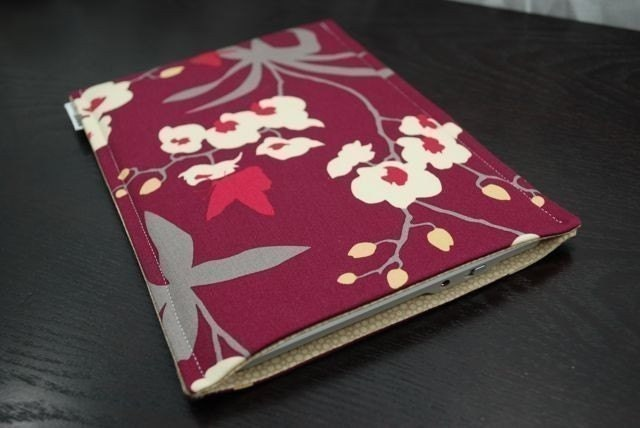 Kindle 1,2 or Nook - Digital Reader Techee Sleeve - Orchid Mulberry