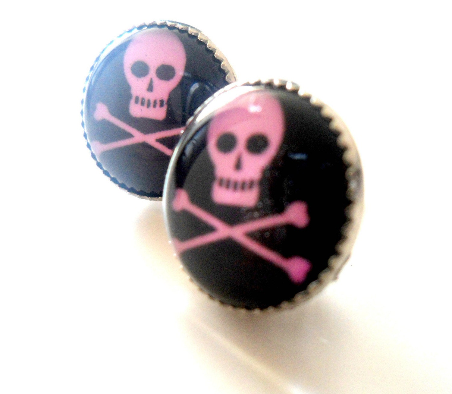 PINK SKULL FILIGREE STERLING SILVER EARSTUDS - FREE WORLDWIDE SHIPPING TIL 31 OCT