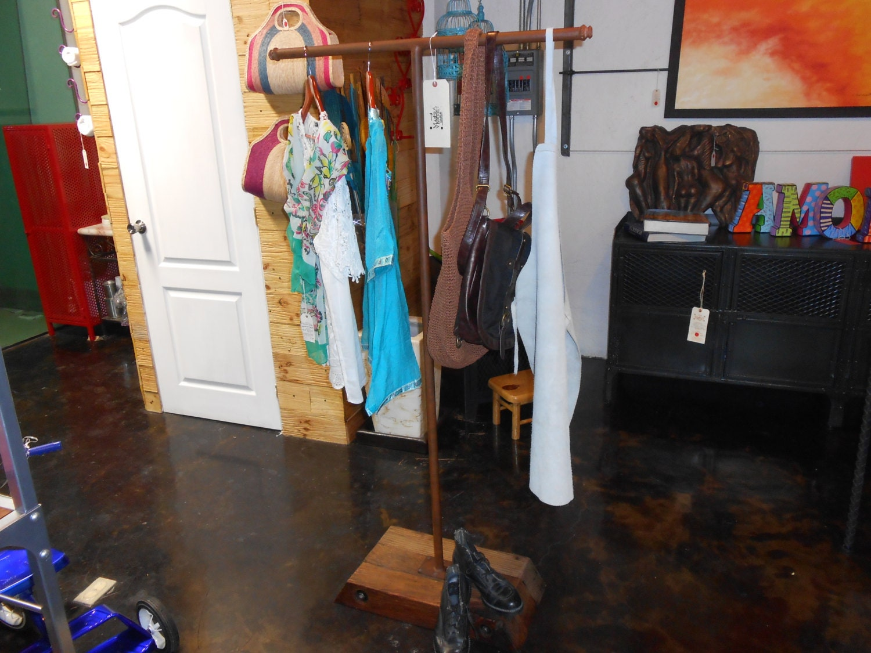 Perchero o colgador de ropa vintage replica de por for Colgador ropa pared
