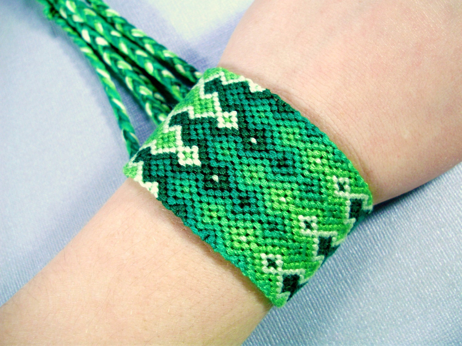 St. Patrick's Day Triple Flames Friendship Bracelet - Shades of Green