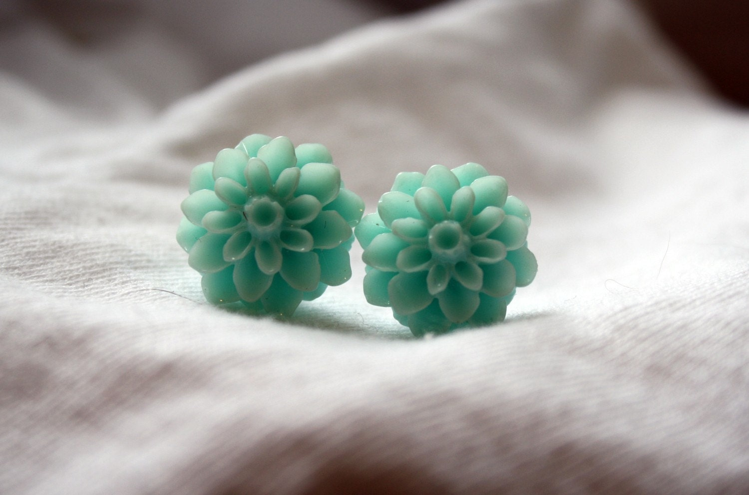 Seafoam Floral Mum Earrings