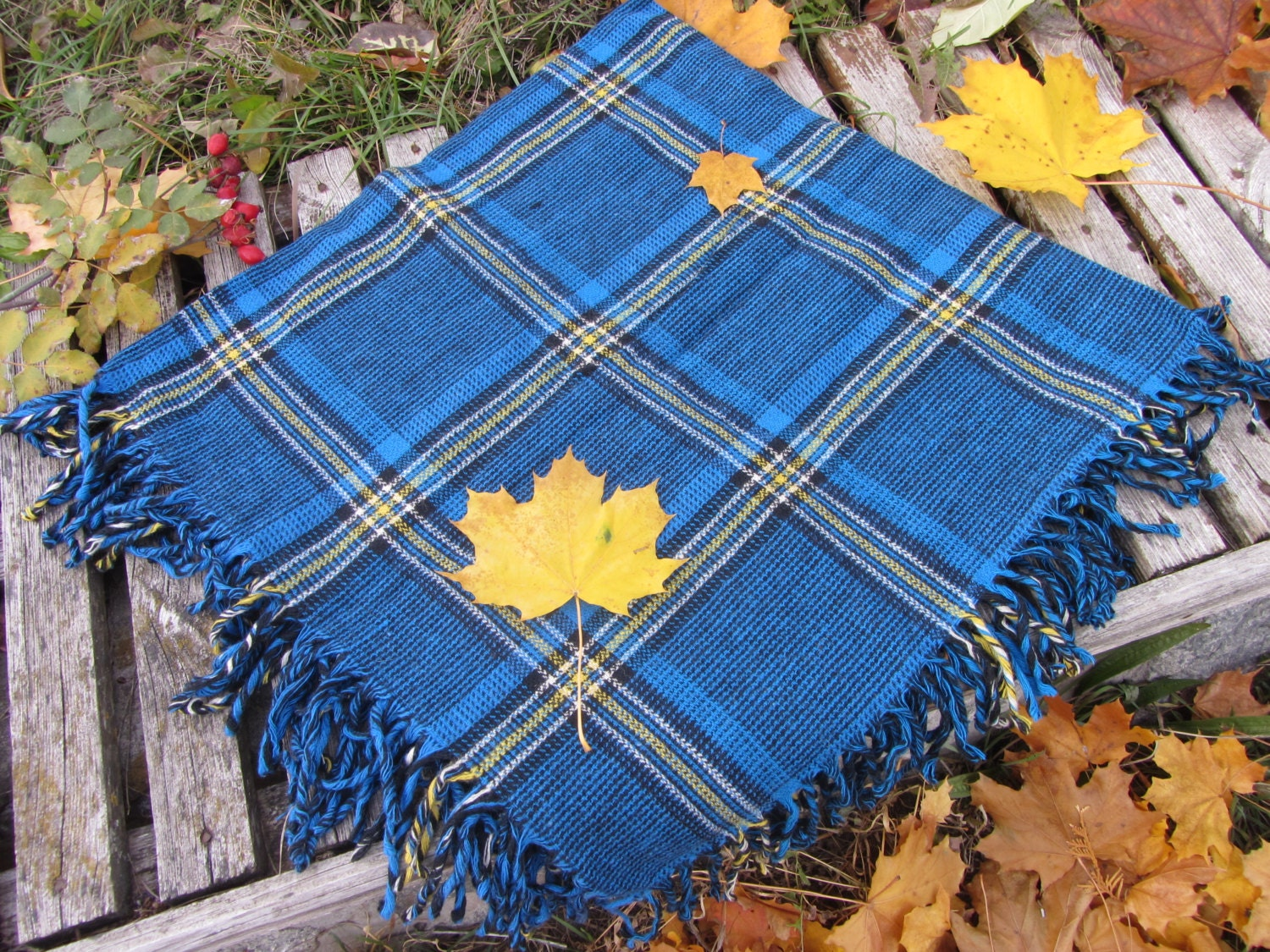 Blue wool checkered pattern vinteage scarf, USSR vintage wool scarf, Warm gift f
