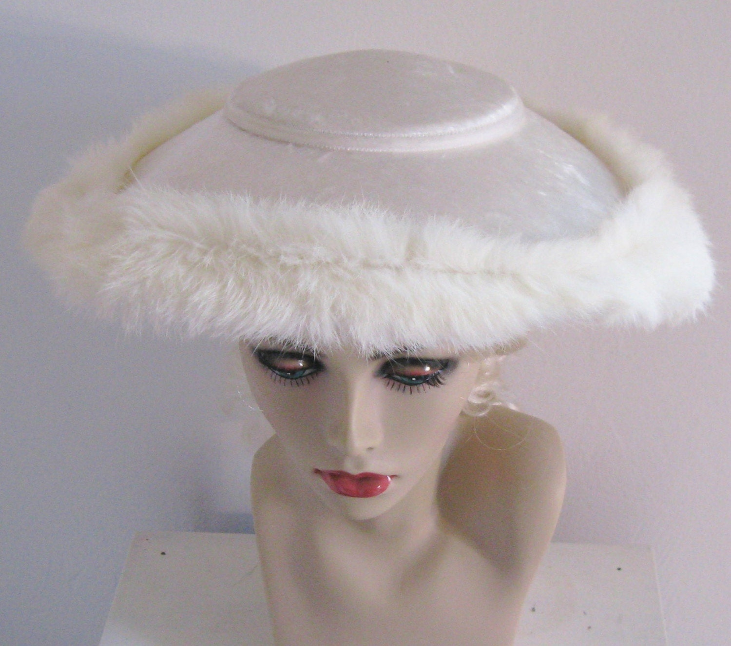 VINTAGE VELVET WEDDING HAT WITH FUR TRIM 1930s