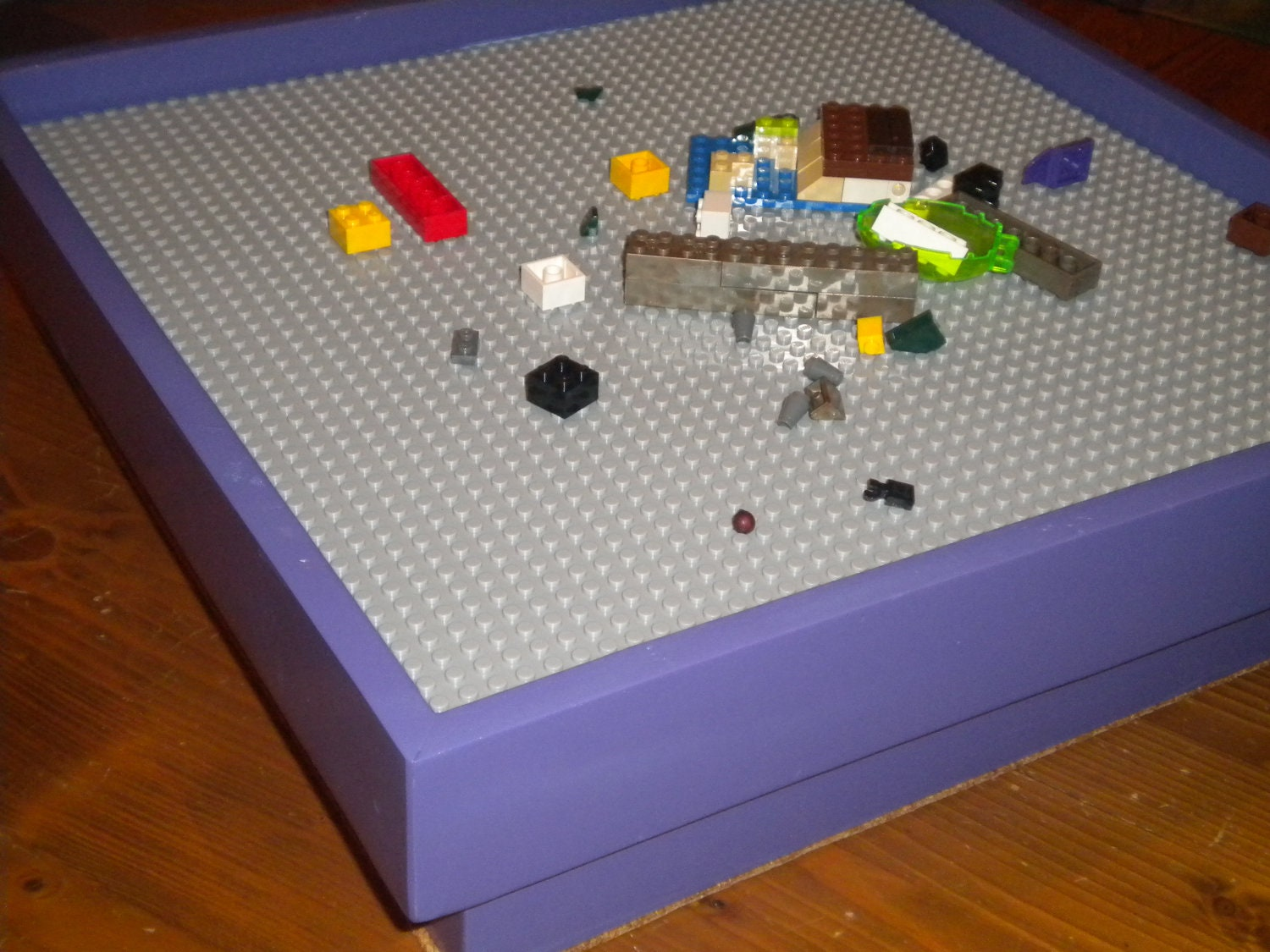 Lego Play Table with 15x15 baseplate Lego by GrantsFrontier