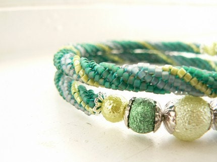 Morning grass bracelet - Tricolor spiral with faux pearls