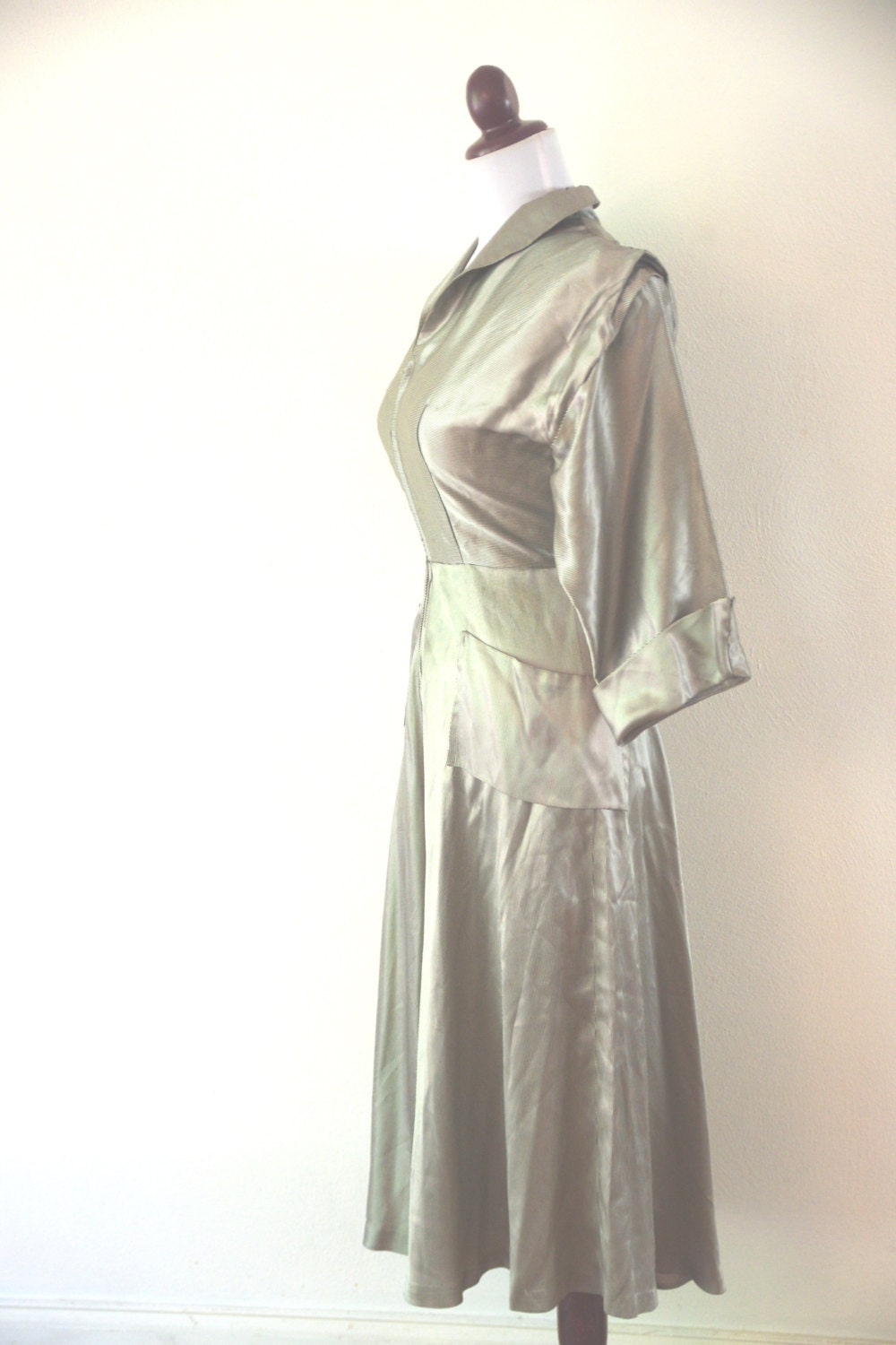 Vintage 1940s Silver Screen Dress - RetroKittenVintage