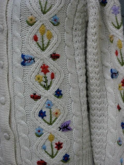 FANTASTIC Vintage Wool Sweater w Ladybugs Butterflies and Flowers