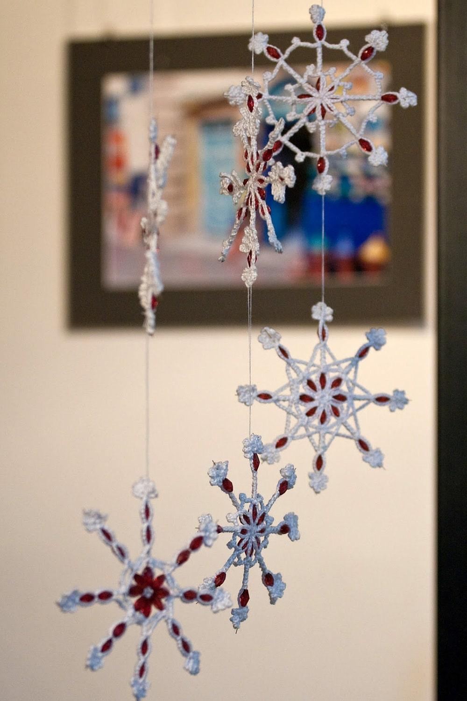 Новогодний декор окна своими руками идеи