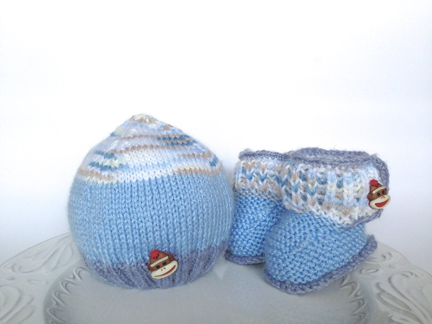 Hand knitted set for baby boy - hat and booties, ready to ship - TinyLoveGifts
