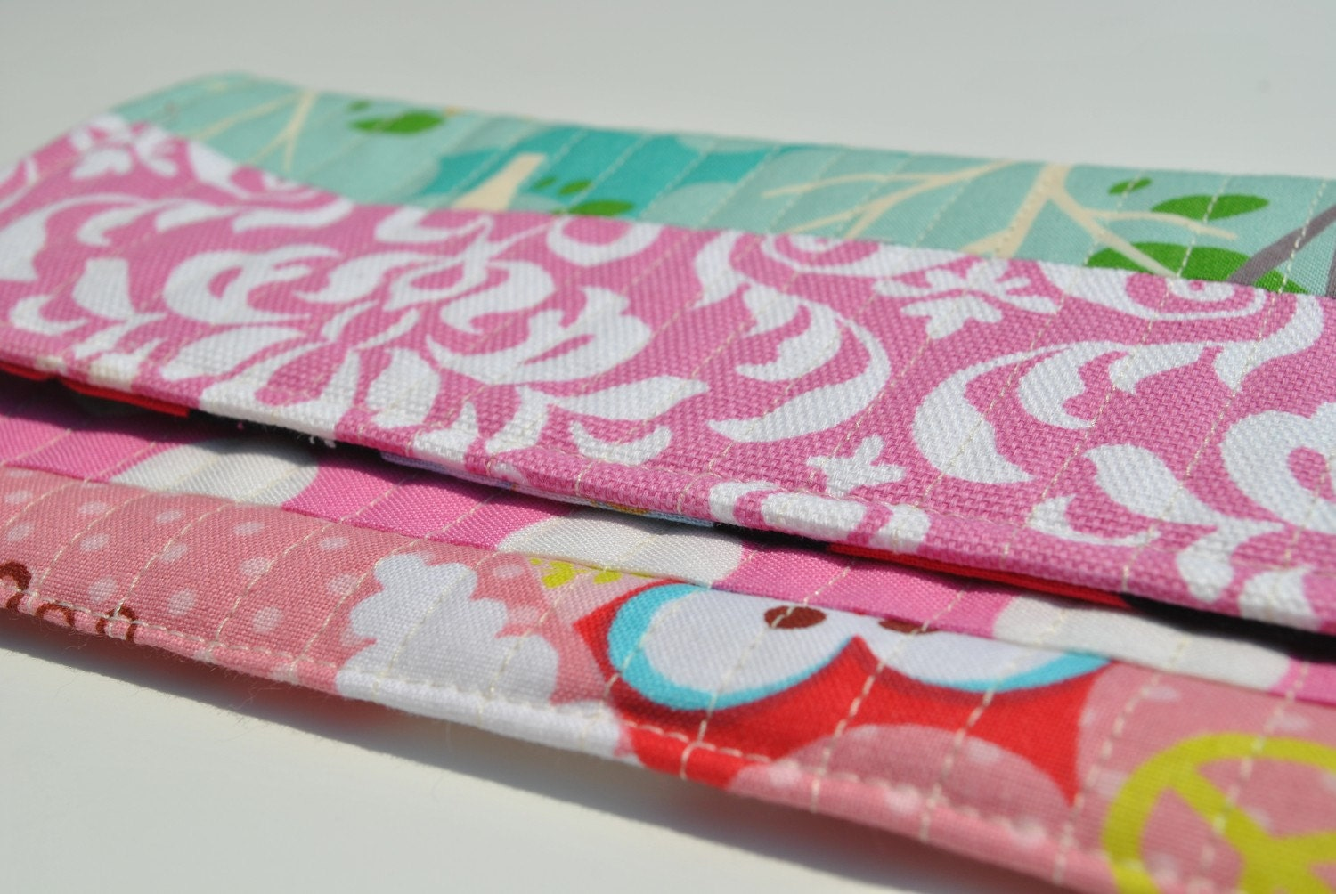 Sunglasses Scrappy Pouch- Think Pink