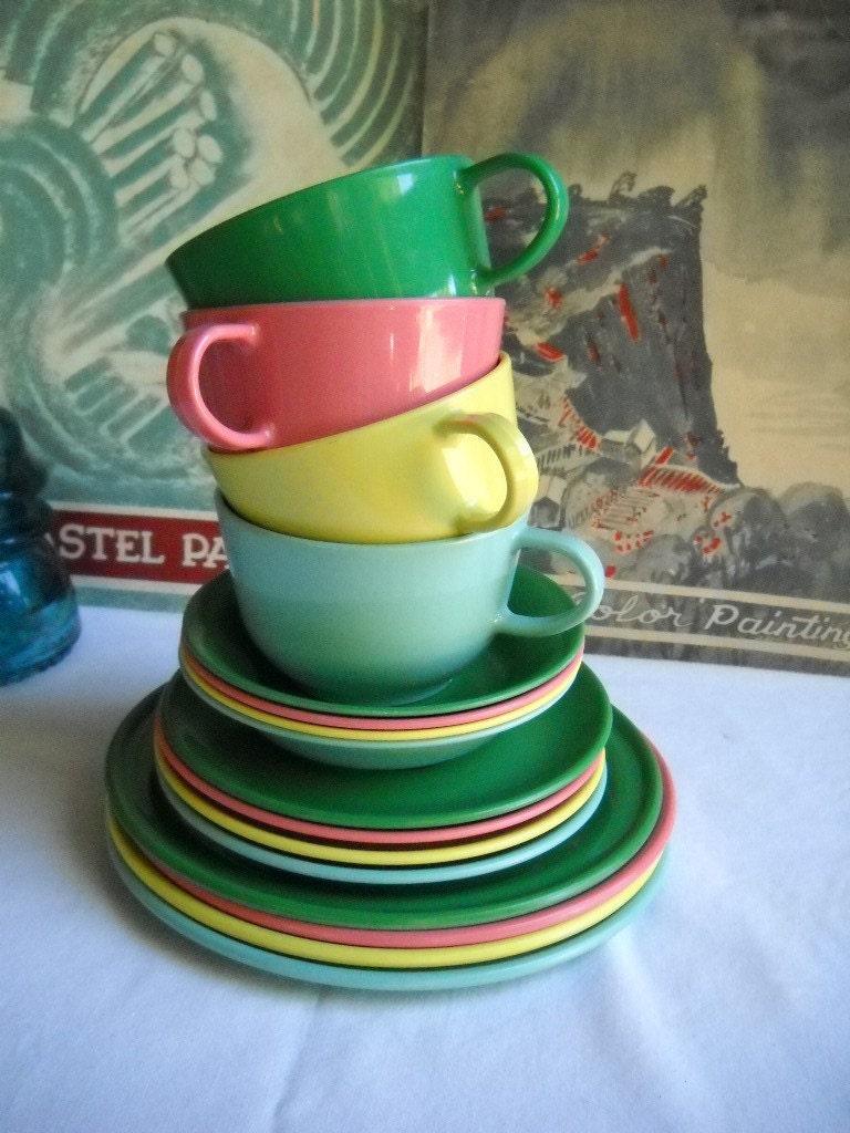 Vintage Retro Melamine Melmac Dinnerware Set By Vintageeye