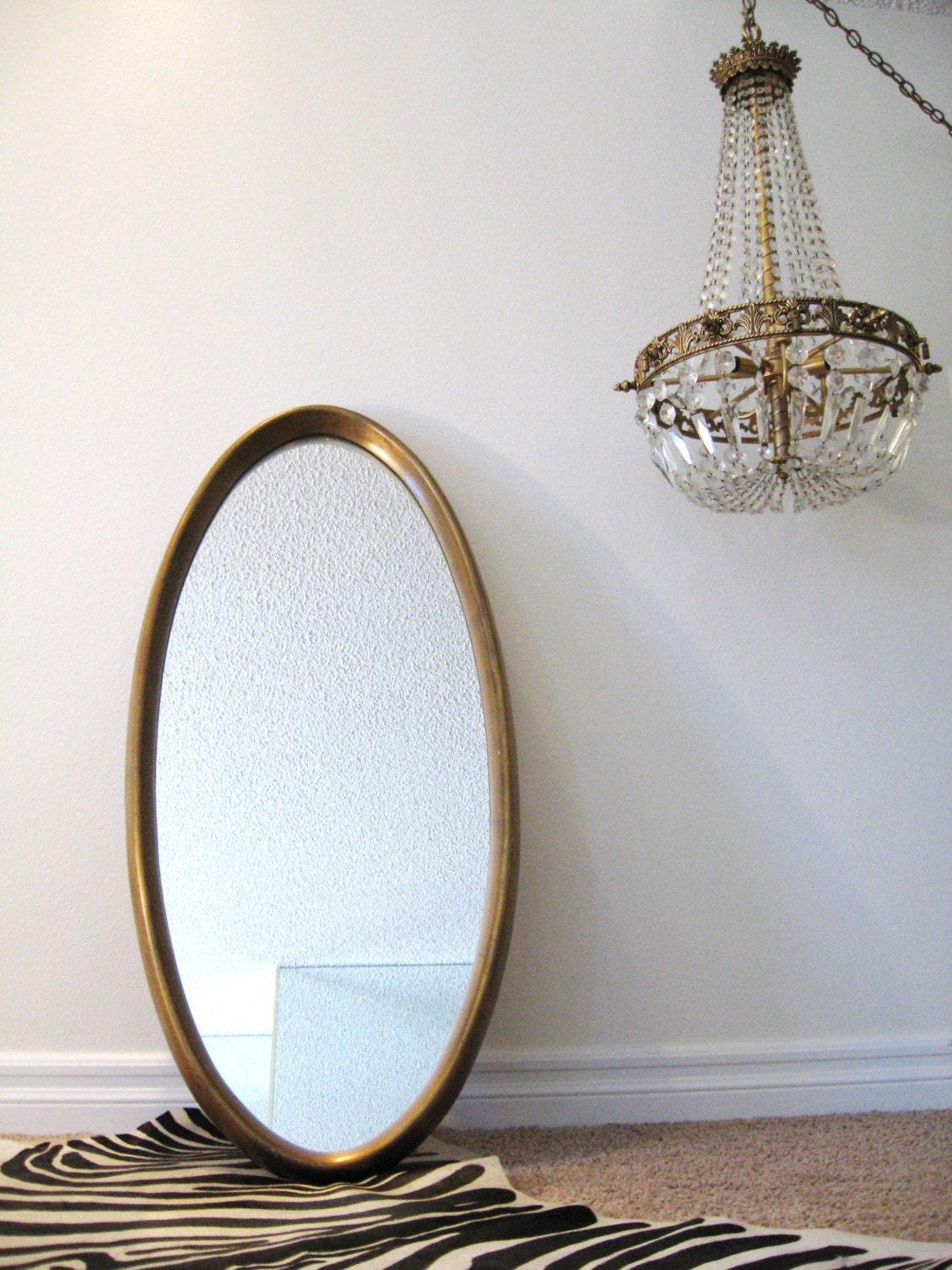 50s HOLLYWOOD REGENCY Gold OVAL Vintage WALL MIRROR