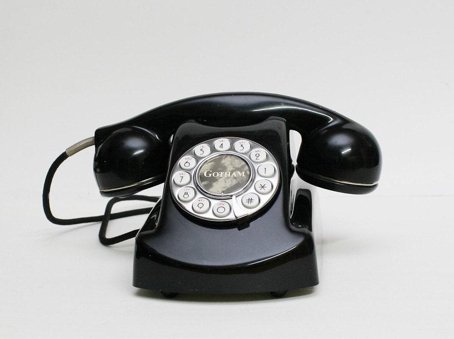 Vintage Retro Gotham Telephone