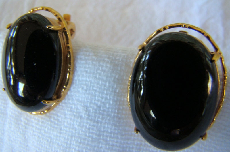 reduced vintage dang thailand black shiny stone by dingordang
