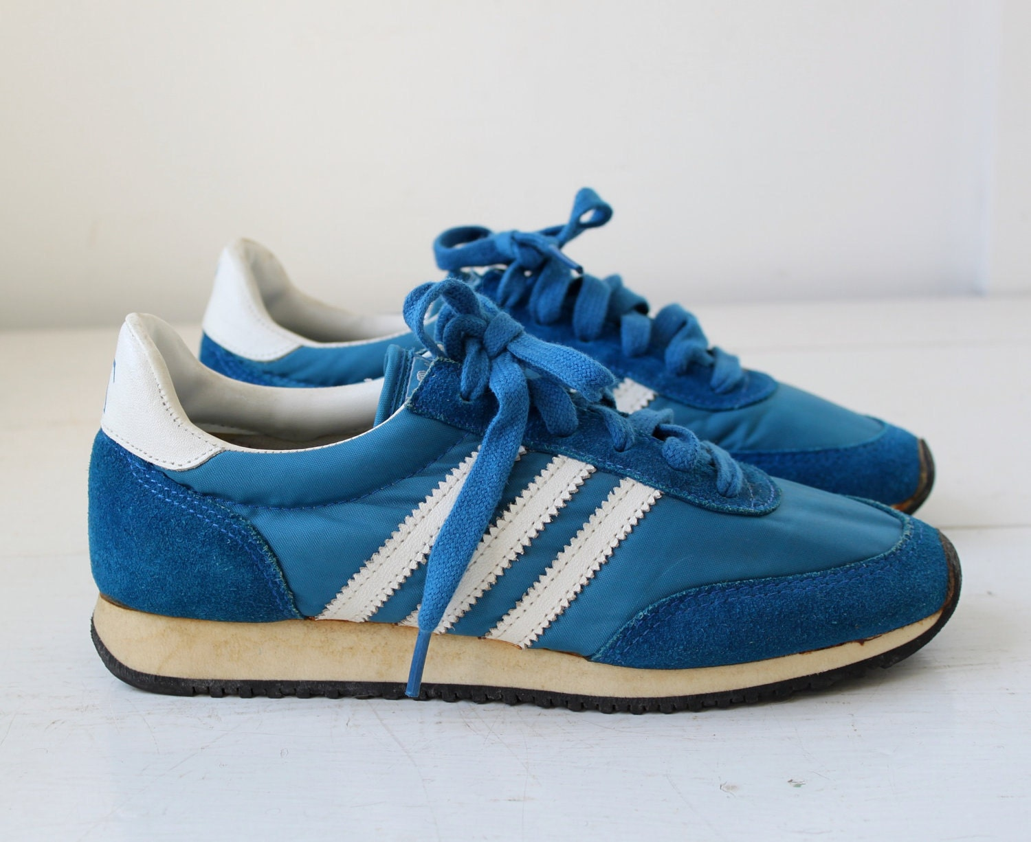 vintage 1970s blue sneakers. JC Penney 3 by Luncheonettevintage