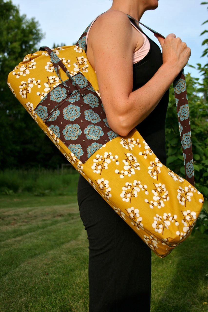 Yoga Mat Bag with a Zipper Pocket
