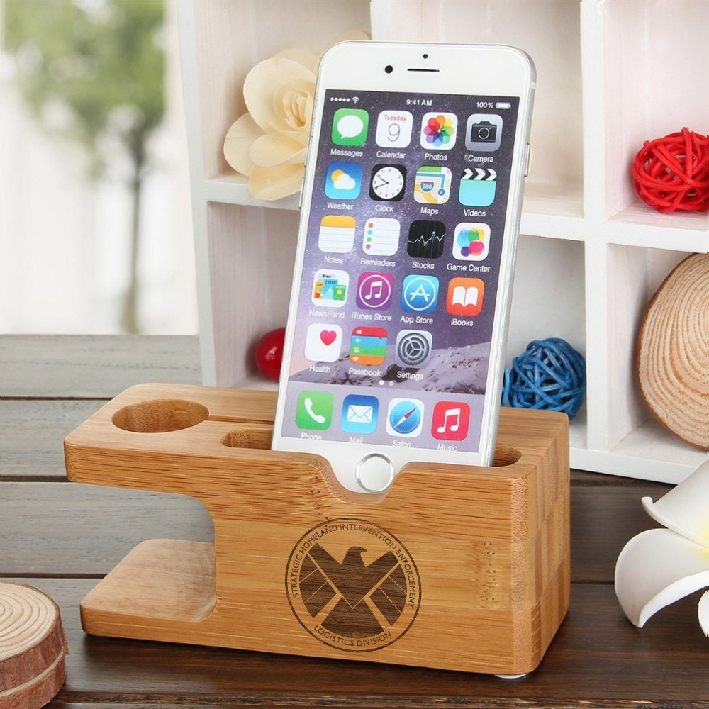iPhone Dock Apple Watch SHIELD Agents of S.H.I.E.L.D. Natural Wood Docking Station Samsung Galaxy S7 XMen Captain America Thor Iron Man