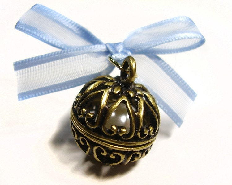 Something Blue Bouquet Charm - Filigree Ball with Pearl