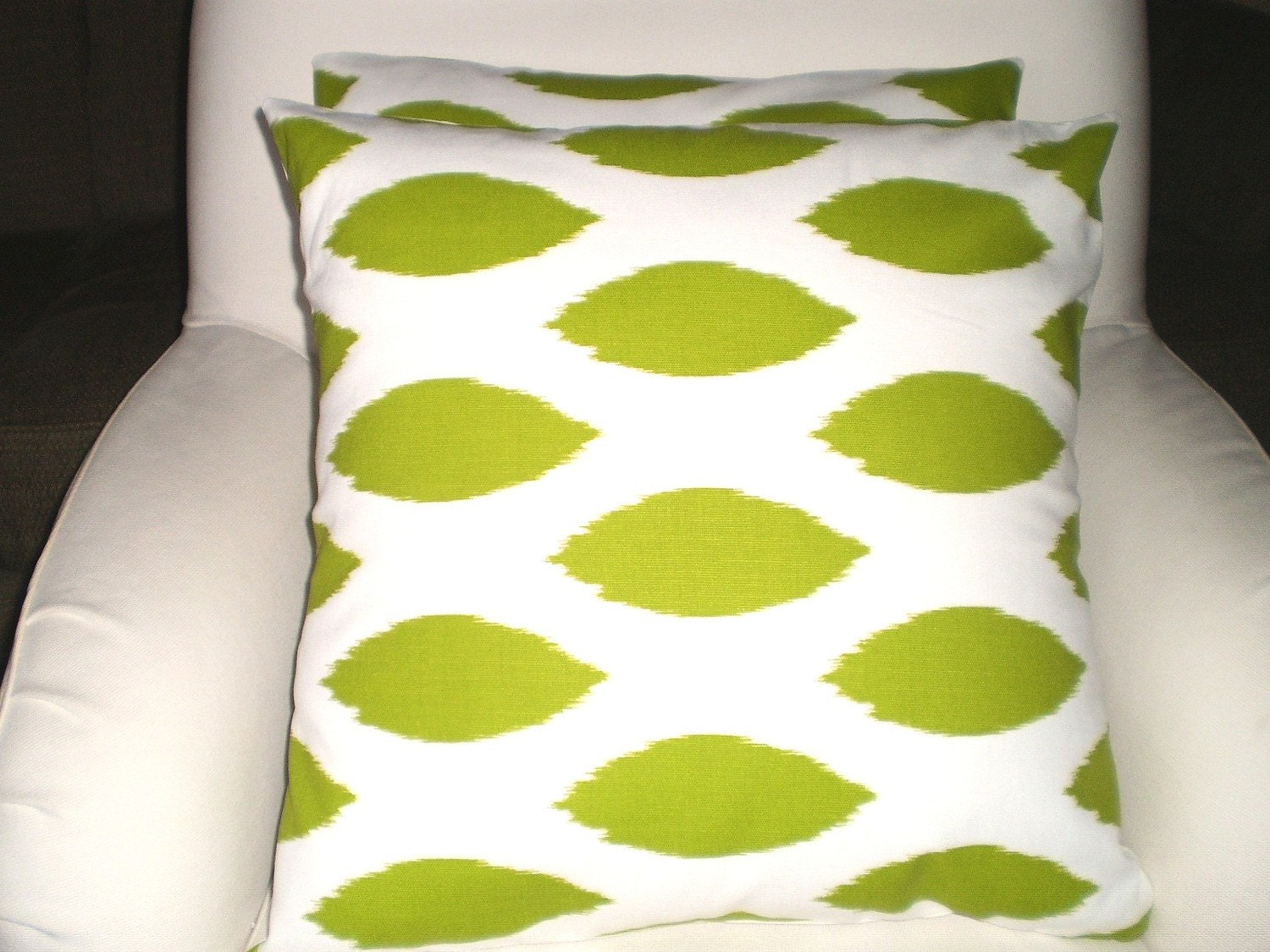 Pair of Throw Pillow Cushion Covers 18 x 18 Lime Green and White Contemporary Oval Pattern