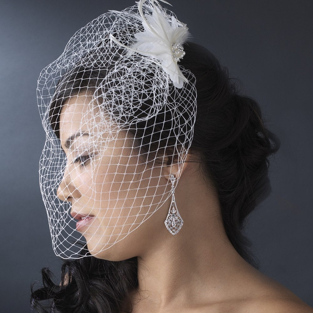 Bridal White Feather BirdCage Veil by EmeraldDiamond on Etsy from etsy.com