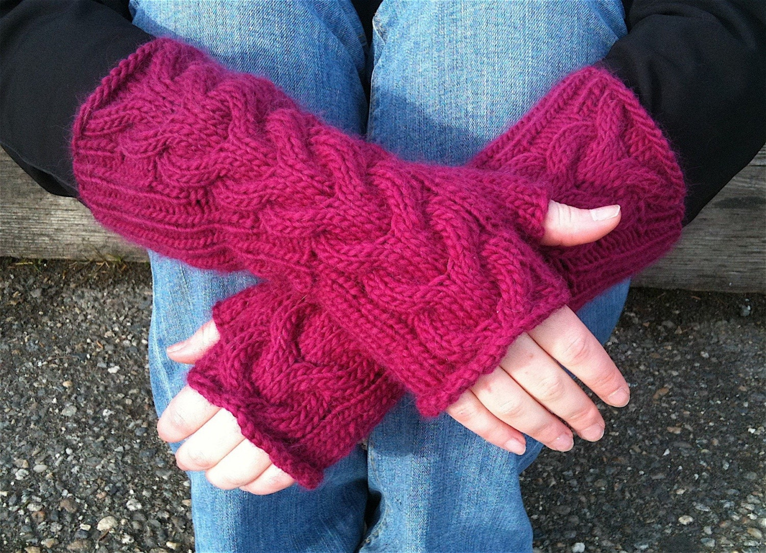Bella Fingerless Gloves in Fuchsia