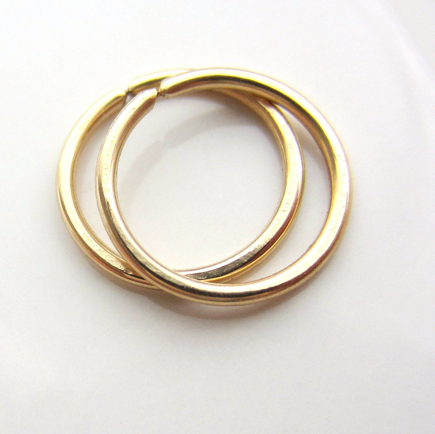 14K Gold Small Cartilage Hoop Earring en 2019  Piercings