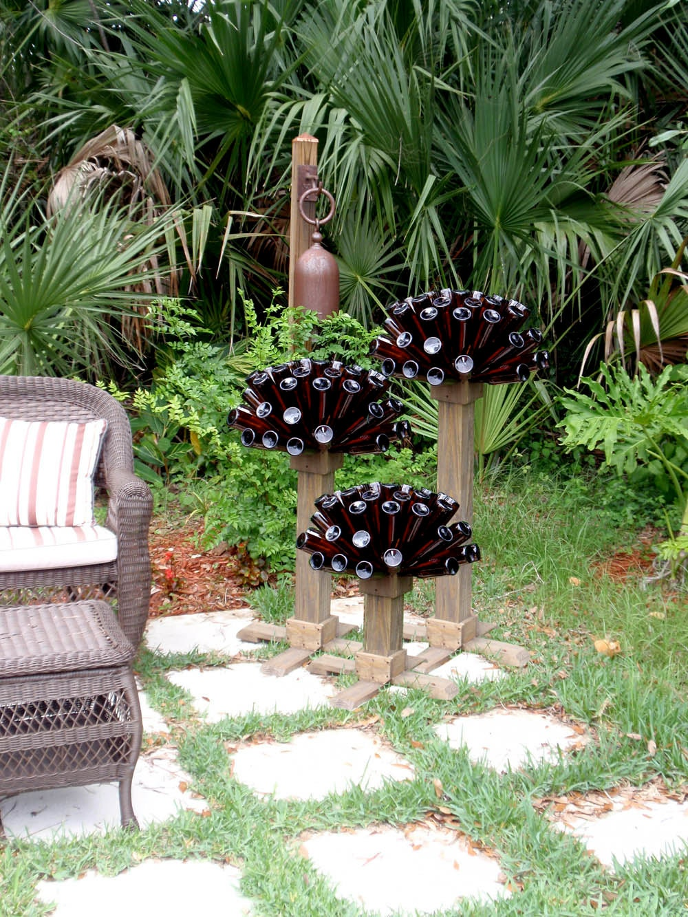 Beer or wine bottle tree unique recycled by gnakedgnomery - Deco de jardin originale ...